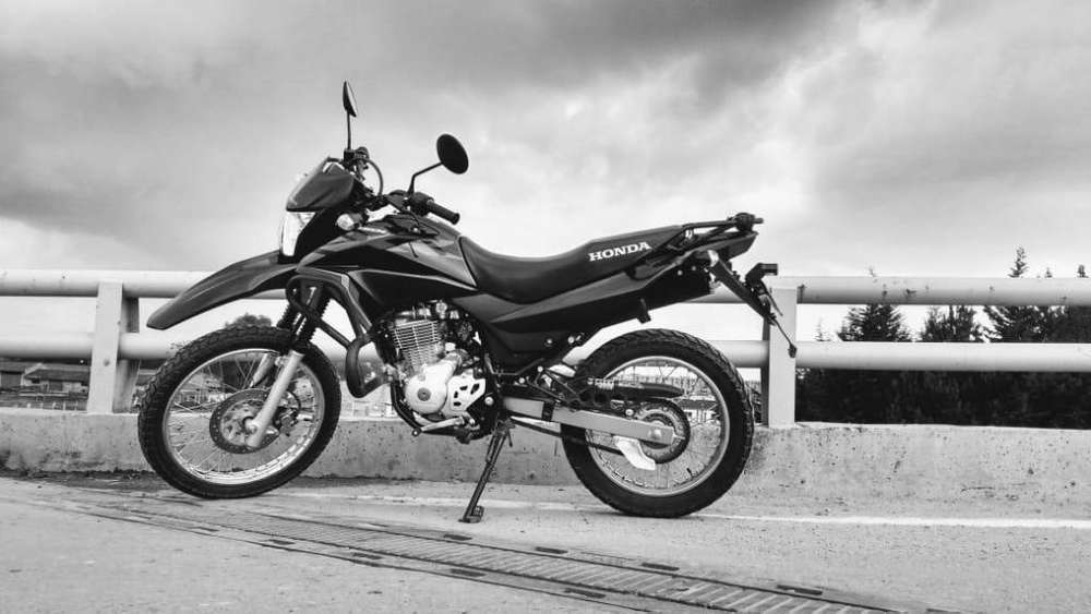 MOTO HONDA XR 150 NUEVA. EN MADRID CUNDINAMARCA. NEGOCIABLE. INF. 3178440192.