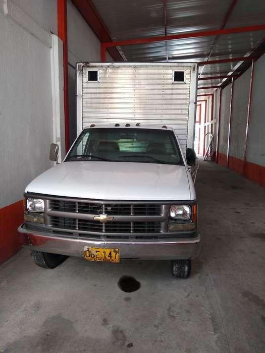 Chevrolet Cheyenne 1997 - 100 km