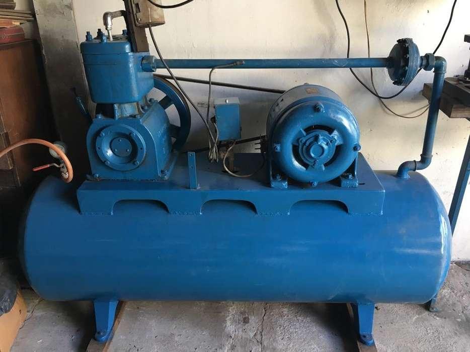 Compresor Profesional Bicilindrico 300L