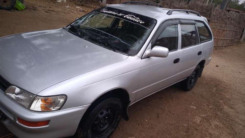 Toyota Corolla 2000 - 180 km
