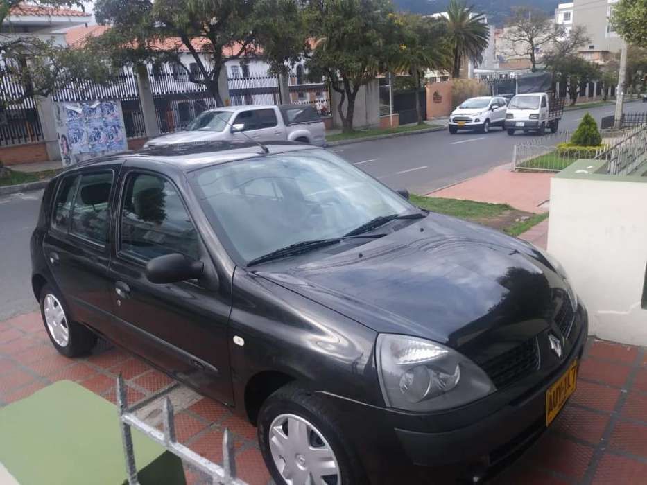 Renault Clio  2009 - 76300 km
