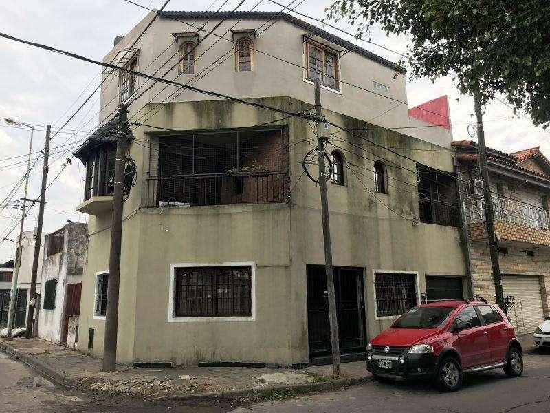 Casa en Alquiler en Villa sarmiento, 16000