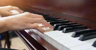 Clases de Piano Escuela de Musical RM