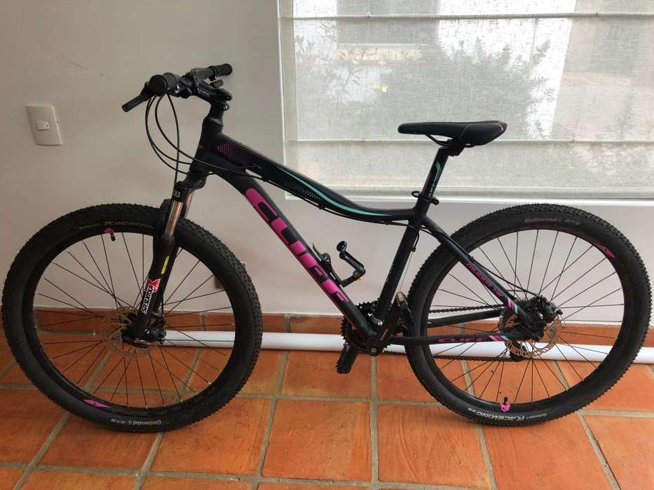 Bicicleta todoterreno y de montaa marca CLIFF Black Purple