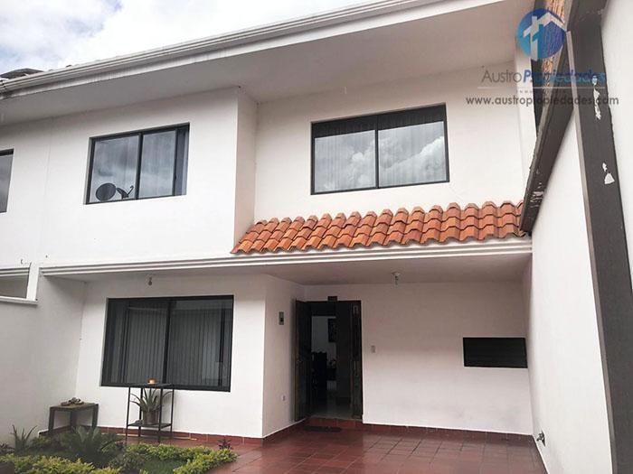 Centro de la Ciudad, Casa en Venta en Cuenca Calle Gaspar Sangurima