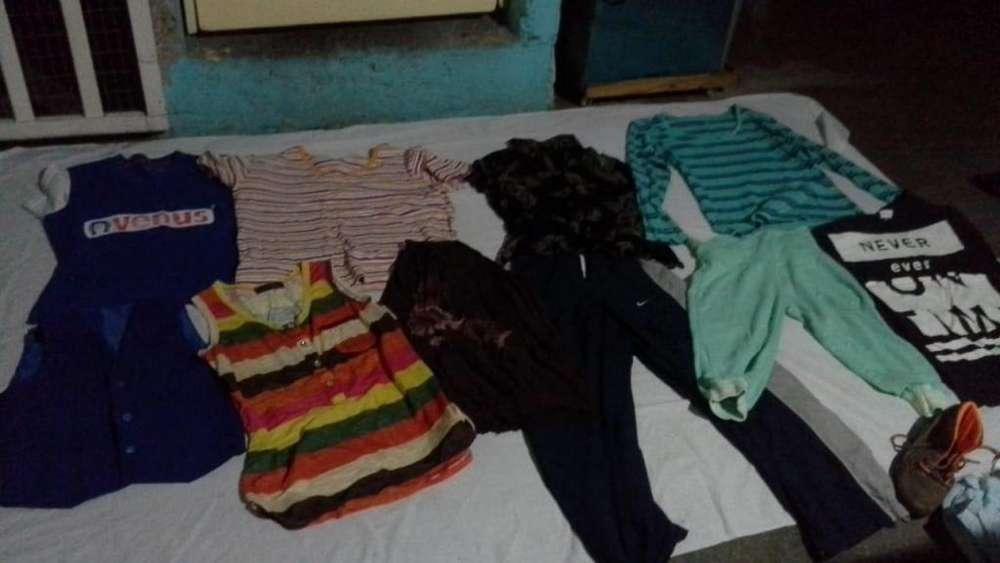 Vendo paca de ropa usada en excelente estado!!! Aprox 200 piezas por solo 100