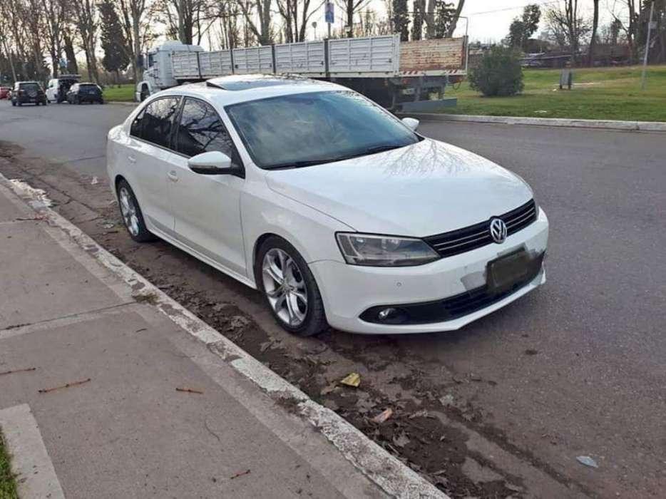 Volkswagen Vento 2011 - 94000 km