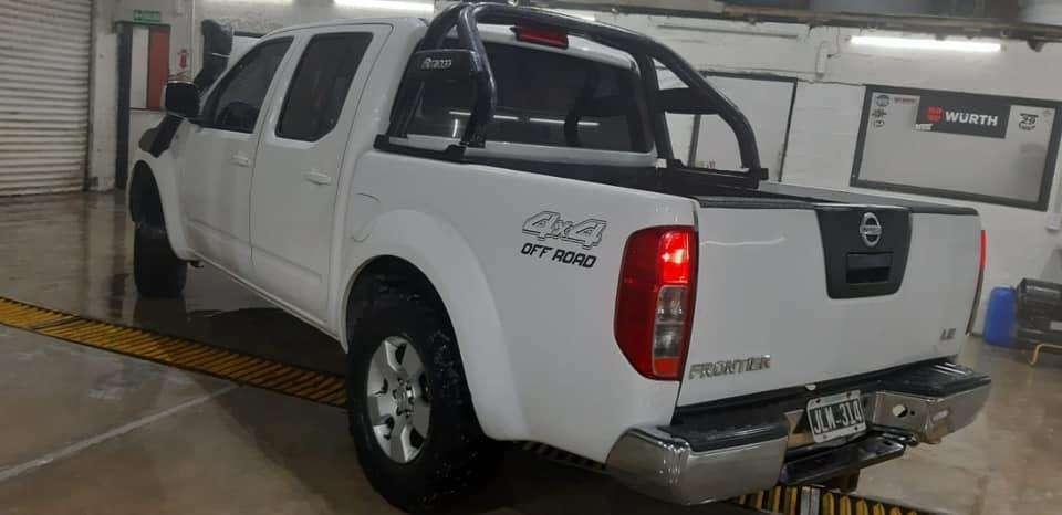 Nissan Frontier 2011 - 186000 km