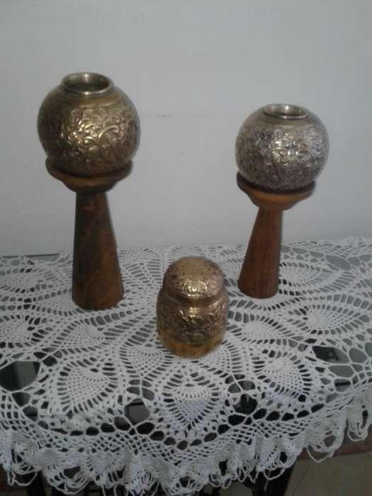 set de <strong>jarron</strong>es en bronce y plata