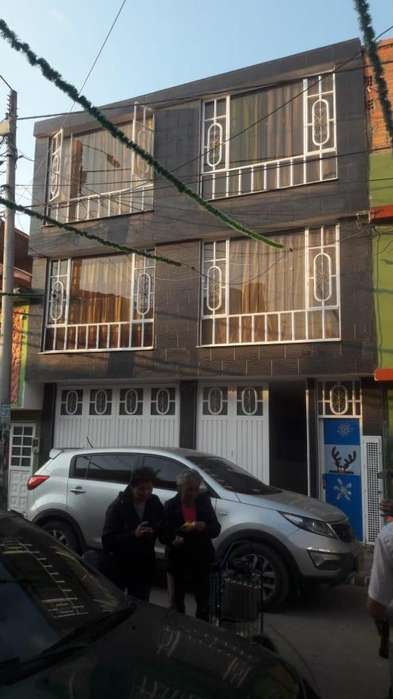 Casa Rentable con 6 apartamentos independientes