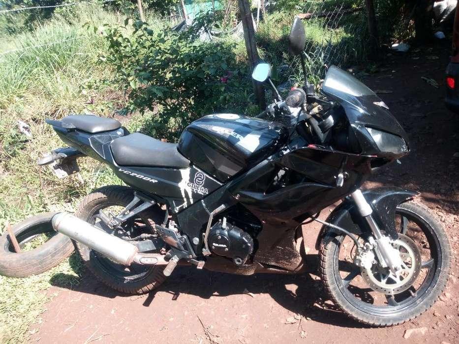 Vendo <strong>moto</strong> Vc 200 Modelo 2013