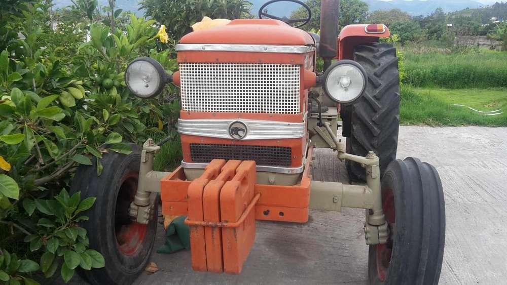TRACTOR MARCA ZETOR 5511