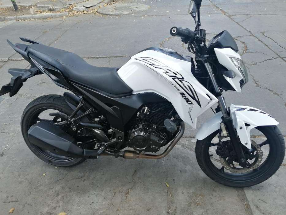 Vendo <strong>motocicleta</strong> Akt180 Perfecto Estado