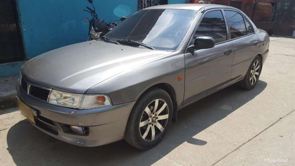 Mitsubishi Lancer 1998 - 340 km