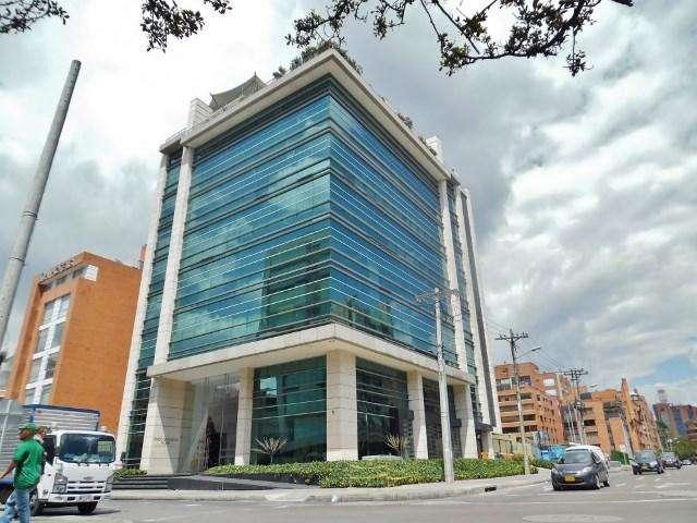 Moderna oficina con magnificos acabados ubicada en <strong>edificio</strong> inteligente con moderno diseño de fachad 54744