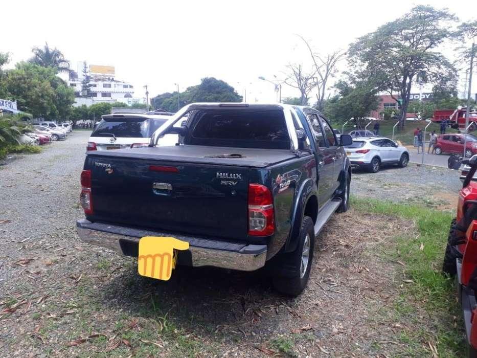 Toyota Hilux 2009 - 10700 km