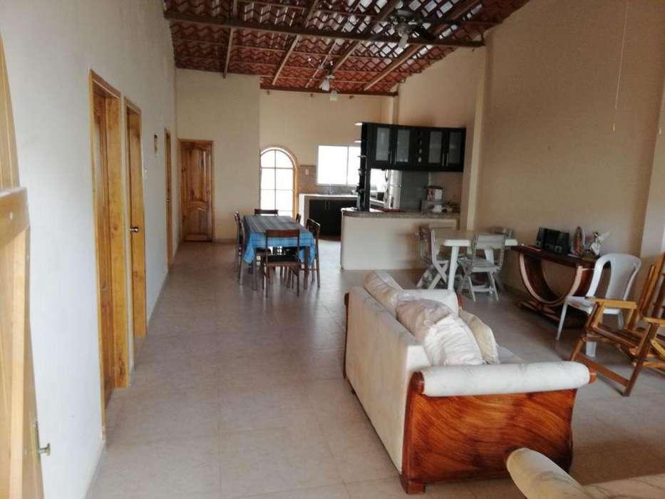 Casa en Venta en Gral. Villamil Playas