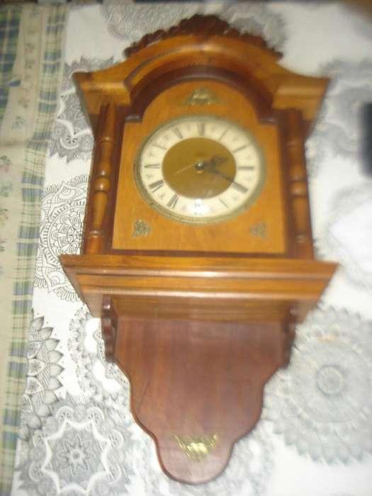 Reloj De Pared A.n.a. Lan Fed (japan) A Pila Leer No Envio