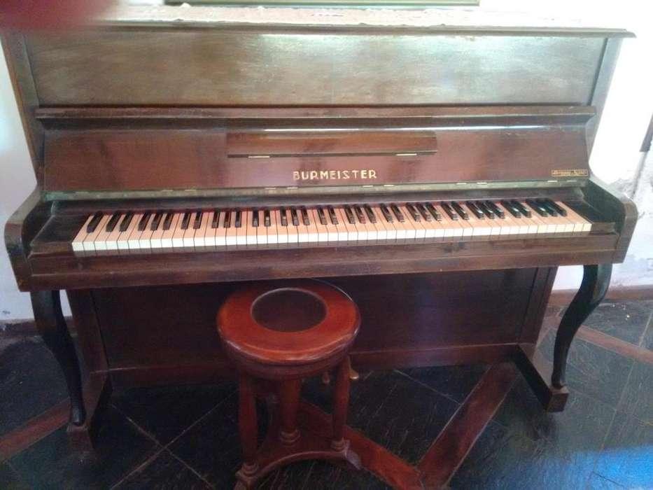 Vendo hermoso Piano Burmeister