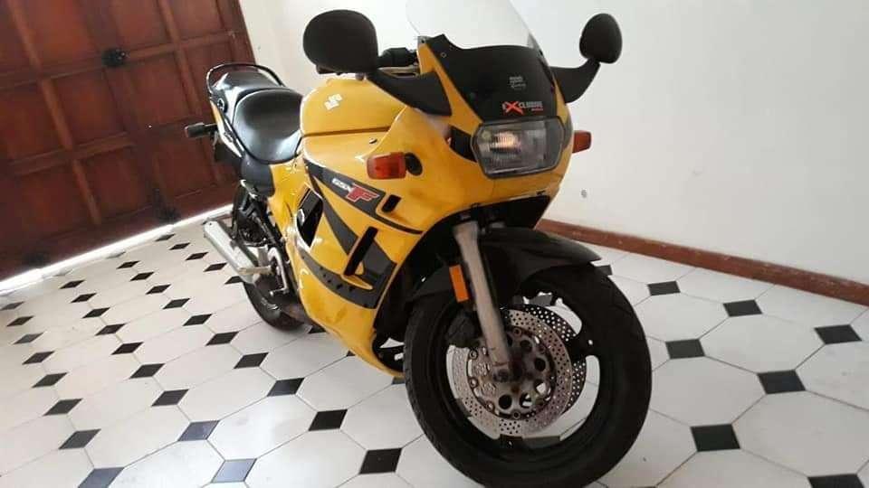 <strong>suzuki</strong> Katana 600cc GSX-F