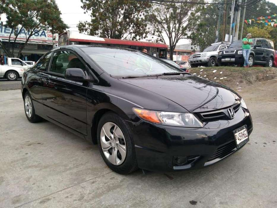 Honda Civic 2008 - 130744 km