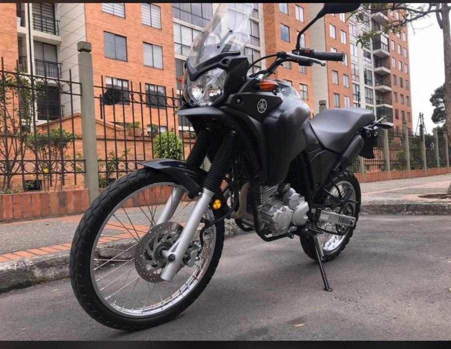 Moto <strong>yamaha</strong> Tenere 250