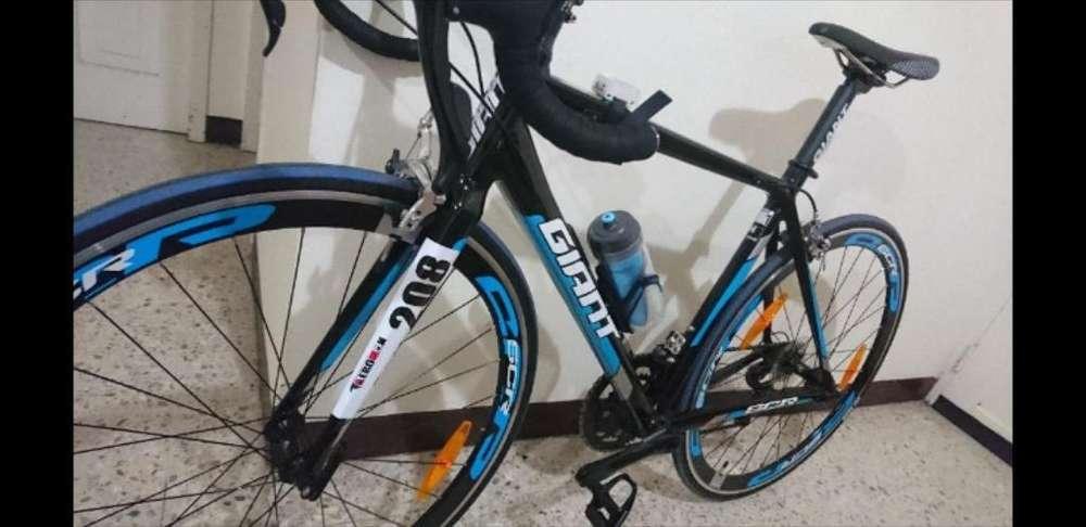 Vendo Bicicleta de Ruta Giam Talla M