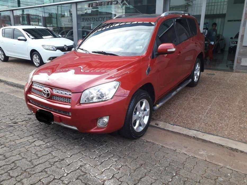 Toyota RAV4 2011 - 136000 km