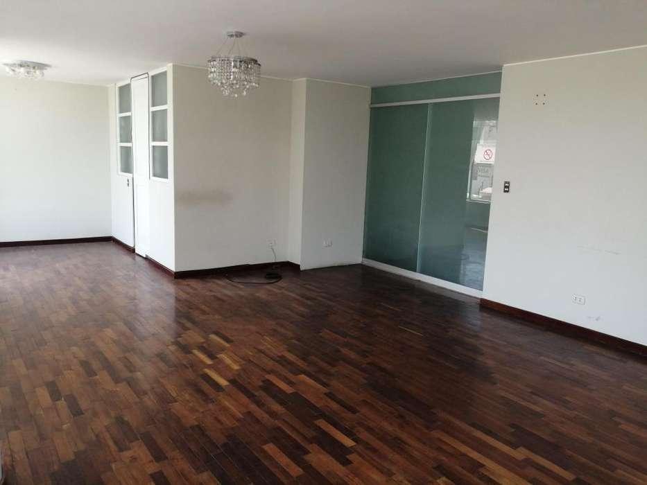 Soluciones <strong>inmobiliaria</strong>s Alquila Dúplex en 1er. Piso de 4 Dormitorios en el Cercado