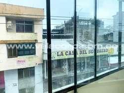VENDO EDIFICIO COMERCIAL EN LA AV. QUITO