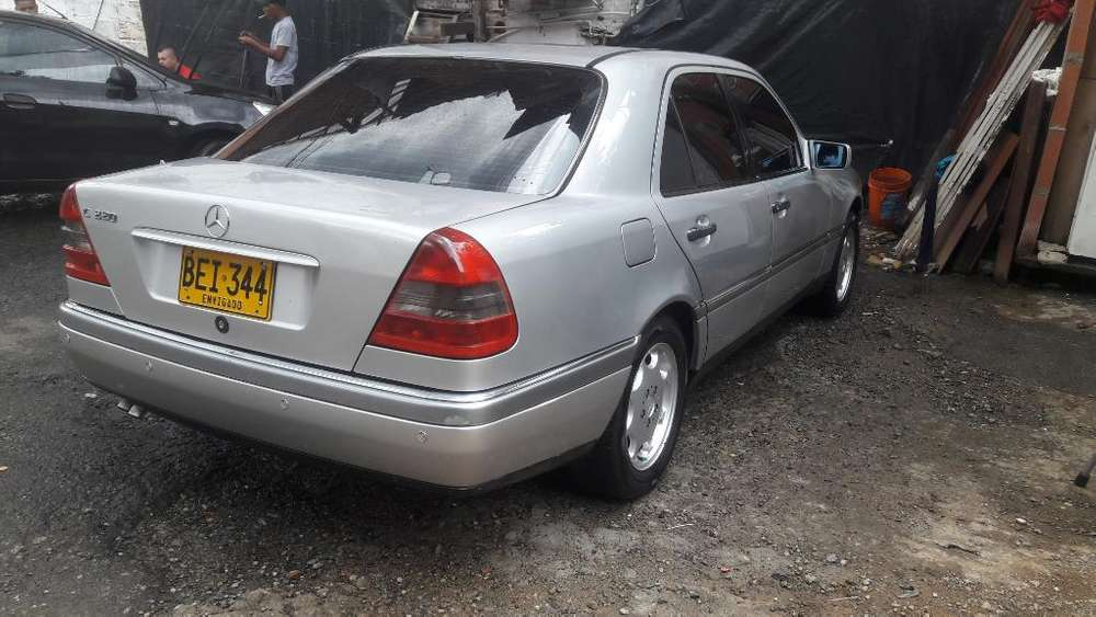 <strong>mercedes</strong>-Benz Clase C 1994 - 245000 km