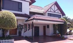 Quito Tennis, Subida al Bosque, vendo casa, 289 m2 construcc, tres dormitorios.