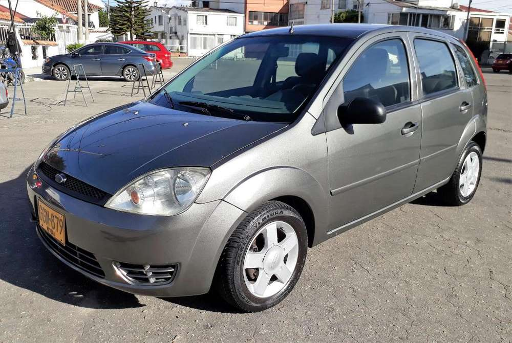 <strong>ford</strong> Fiesta  2005 - 150000 km