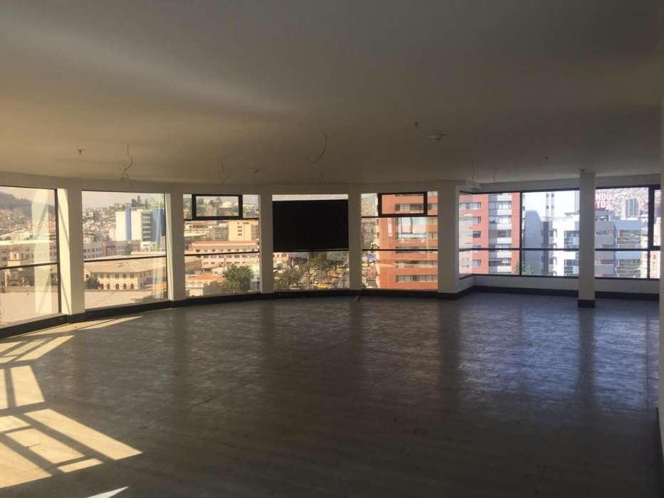 // Excelente Oficina en Arriendo de 300 m2, Sector Swisootel Av 12 de Octubre
