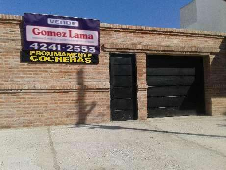 Cochera en venta en Lanus Oeste