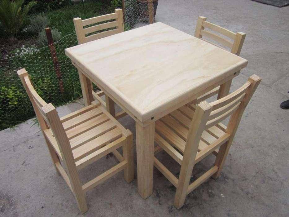 Vendo 4 mesas con su sillas