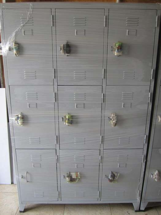 Locker Metálico de 09 puertas para entrega inmediata