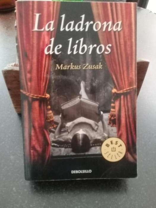 Libro La Ladrona de Libros Markus Zusak 450