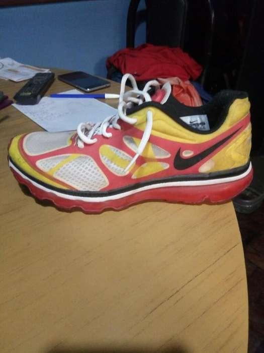 Zapatillas Nike Air Max 9.5. 43 en Lomas