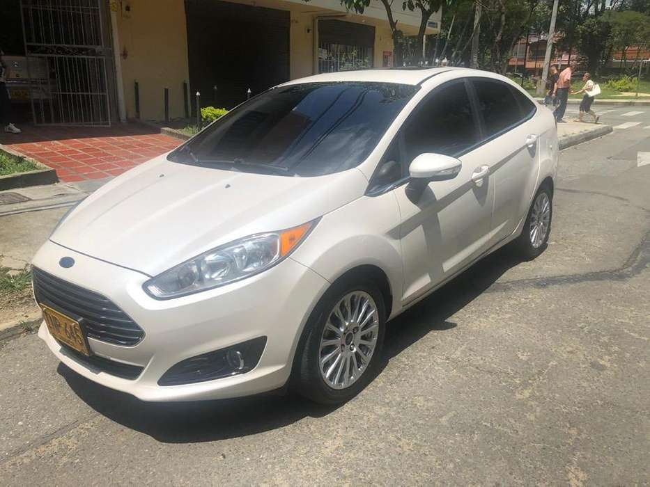 <strong>ford</strong> Fiesta  2016 - 34100 km