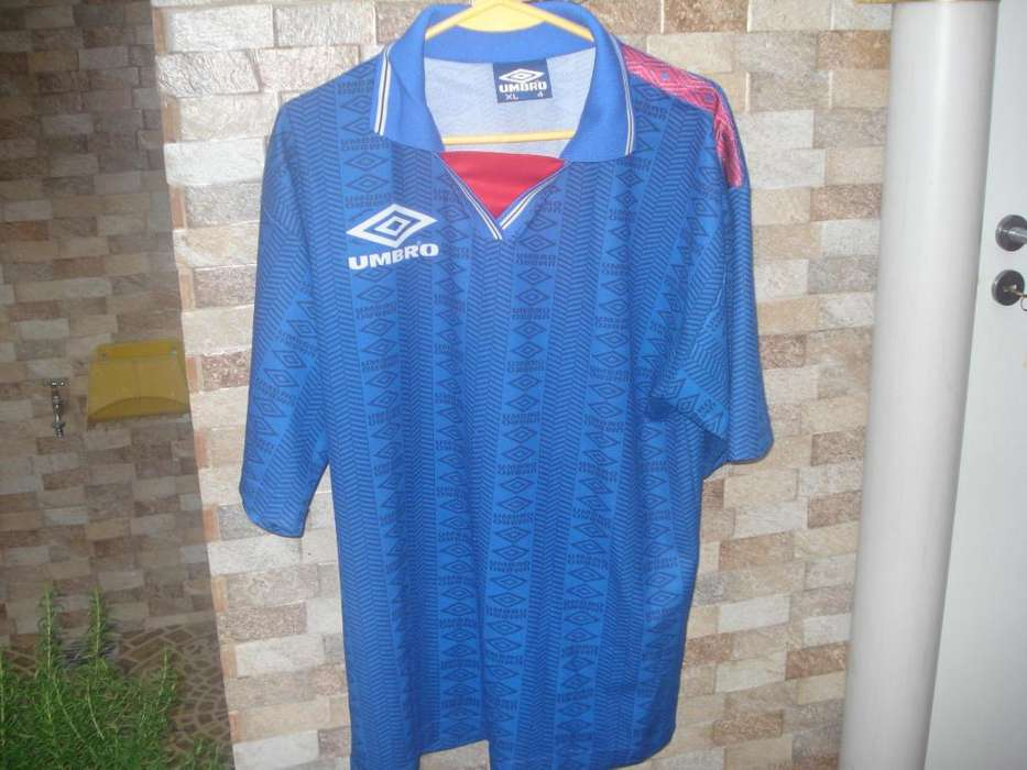 Chomba Color Azul Marca:umbro Talle:xl