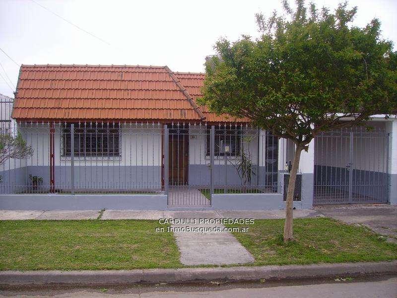 Casa en Venta, 260mts, 2 dormitorios 98631
