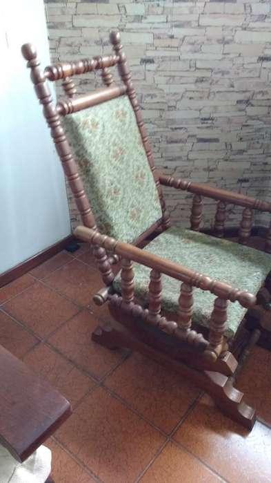 <strong>silla</strong> Mecedora Antigua