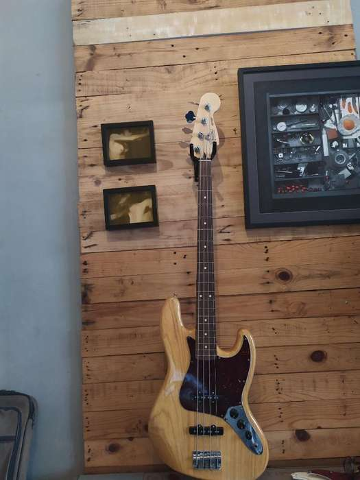 Fender Jazz Bass Mexico Deluxe