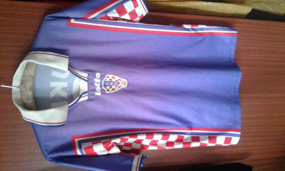 Camiseta Retro Seleccion Croacia 1998 Lotto Original de la Epoca Davor Suker. Talle L