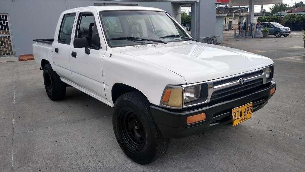 Toyota Hilux 1994 - 288000 km
