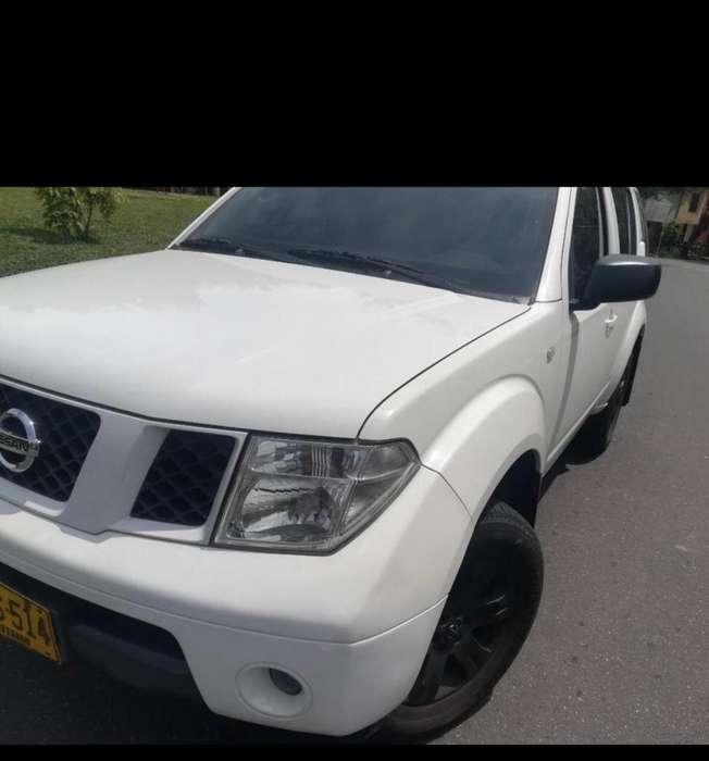 Nissan Pathfinder 2007 - 150000 km