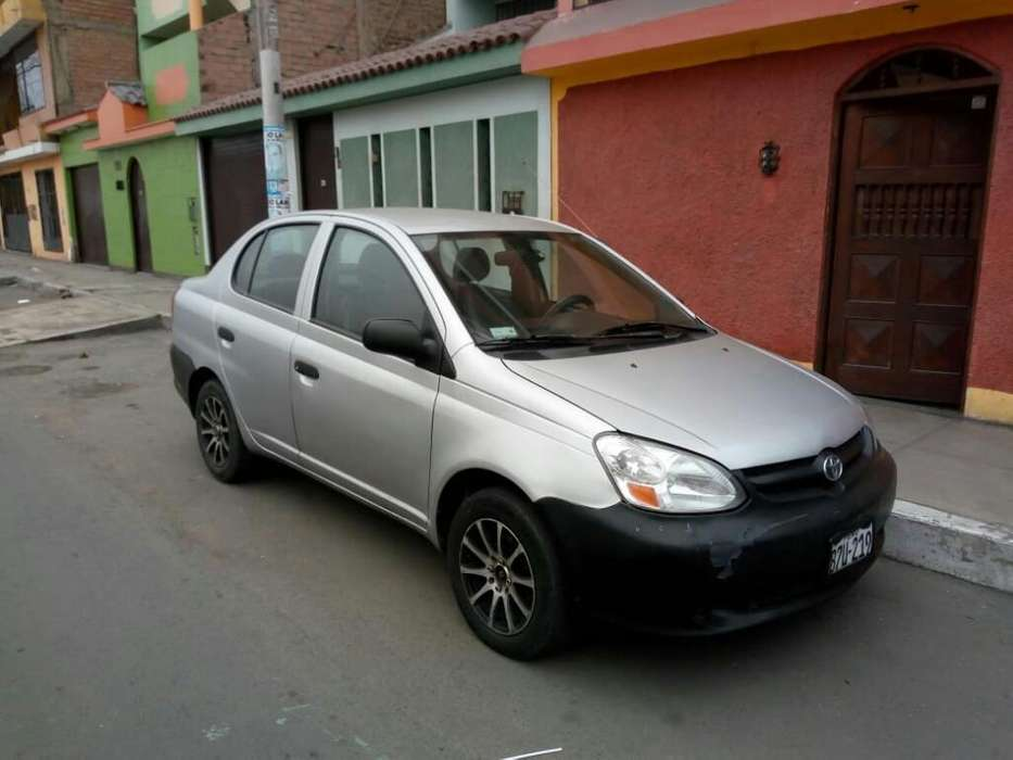 Toyota Yaris 2005 - 185000 km