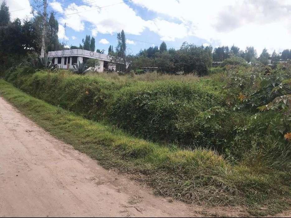 OPORTUNIDAD Ultimo Terreno de 200 m2 en venta en Yaruqui barrio La Tola Alta