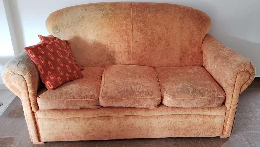 Sofá de tres cuerpos
